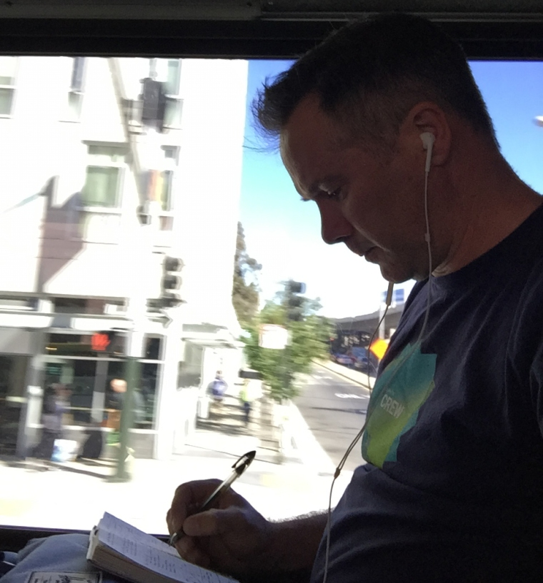 Blog_sketching_on_Bus_1